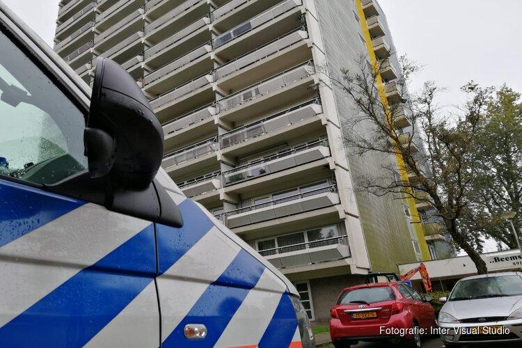 Overleden persoon gevonden in appartementen complex