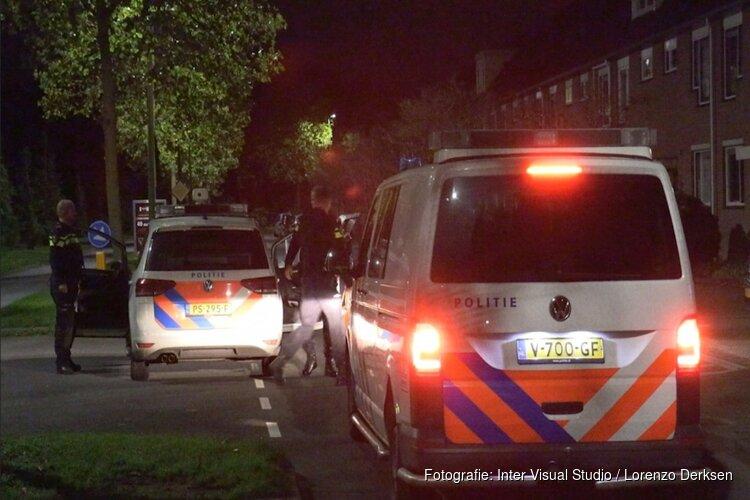 Man (24) gijzelt vrouw (25) in auto en crasht in sloot Purmerend