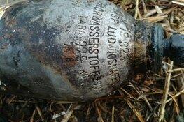 Gevaarlijke fles uit water gevist door magneetvissers