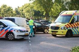 Twee kinderen in ambulance nagekeken na ongeluk Purmerend