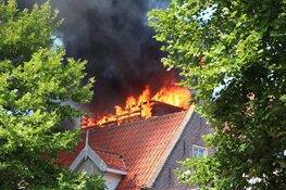 Felle brand op dakterras van woning in centrum Purmerend snel onder controle