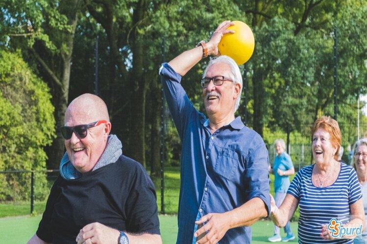 GoldenSports laat ouderen samen bewegen in de buitenlucht