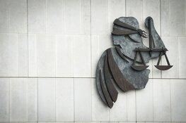 OM eist voorwaardelijke gevangenisstraf tegen kentekenfabrikant