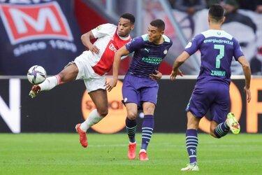 Ajax walst ook over PSV heen
