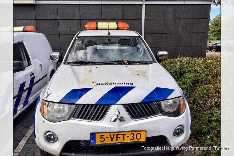 Dienstauto's handhaving Purmerend vernield en met eieren besmeurd