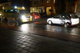 Auto's botsen in Purmerend: bestuurder gewond naar ziekenhuis