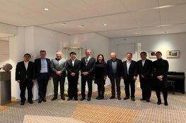 Burgemeester Don Bijl ontvangt Chinese delegatie uit Yangzhou