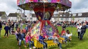 Bevrijdingsdag kindervrijmarkt in wijkpark De Driegang