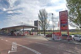 Personeel tankstation sluit zichzelf op nadat klant mes trekt