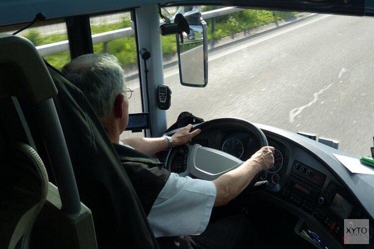 Buschauffeur afgesneden en aangevallen door mannen in werkbusje in Purmerend