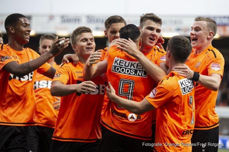 FC Volendam bij rust al op rozen